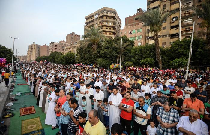 O ataque ocorreu no início da festa muçulmana Aid al Fitr, que marca o fim do mês de jejum do Ramadã.  Foto: Mohamed el-Shahed / AFP