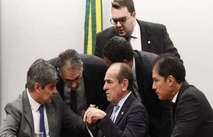 Sem acordo pelo crédito suplementar de R$ 248,9 bi, liderança do governo optou por negociar o adiamento. Foto: Marcos Oliveira/Agencia Senado
