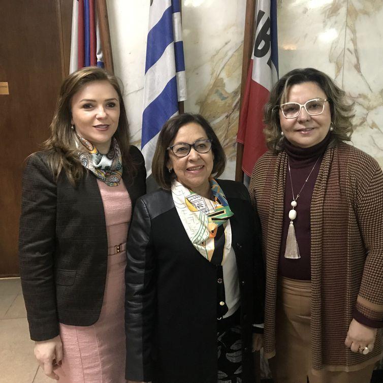 Deputadas Leandre,  Lídice da Mata, presidente da Comissão, e Tereza Nelma. Foto: Marieta Cassaré/ Agência Brasil