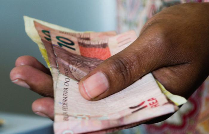 No mês passado, foram R$ 204,305 bilhões em saques, contra R$ 203,586 bilhões em depósitos - Foto: Reprodução/Flickr