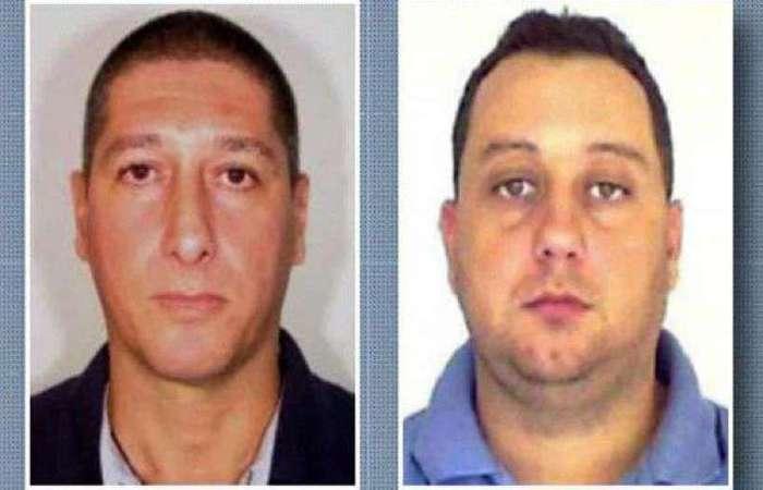 Lessa (dir.) foi preso em 12 março deste ano. No mesmo dia, foi preso também o ex-PM Élcio Queiroz (esq.) - Foto: AFP