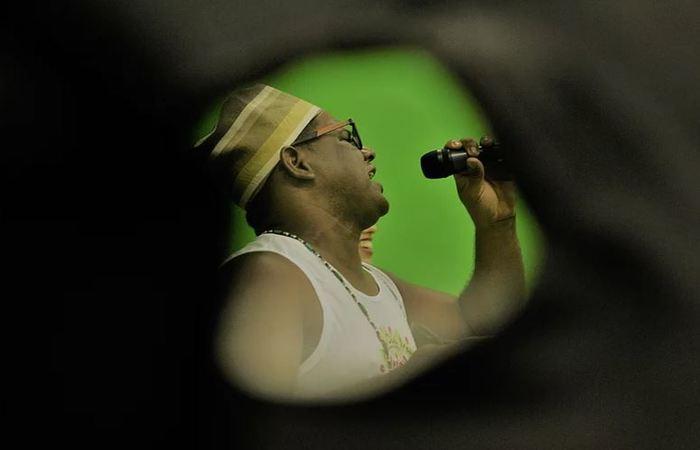 Clóvis Ramos, vocalista e presidente do Afoxé Obá Iroko. Foto: Samuel Calado/DP