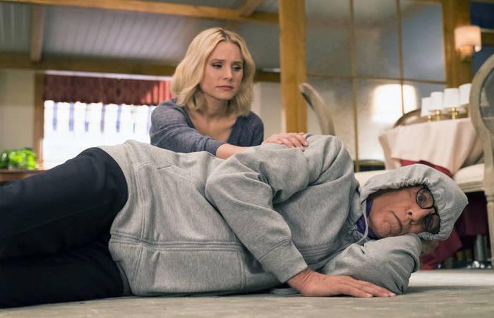 Kristen Bell como Eleanor e Ted Danson como Michael em 'The Good Place'. Foto: Justin Lubin/NBC