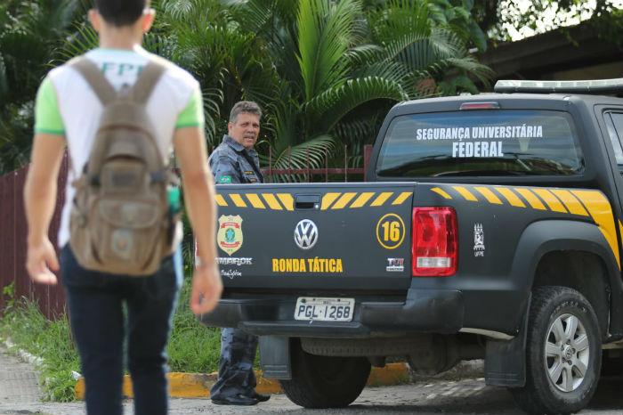 Superintendente de Segurança da UFPE diz que não há necessidade para pânico. Foto: Tarciso Augusto/Esp. DP.
