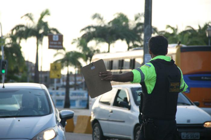 O bloqueio vai das 23h desta segunda-feira, até às 5h desta terça (11). Foto: Sandro Barros