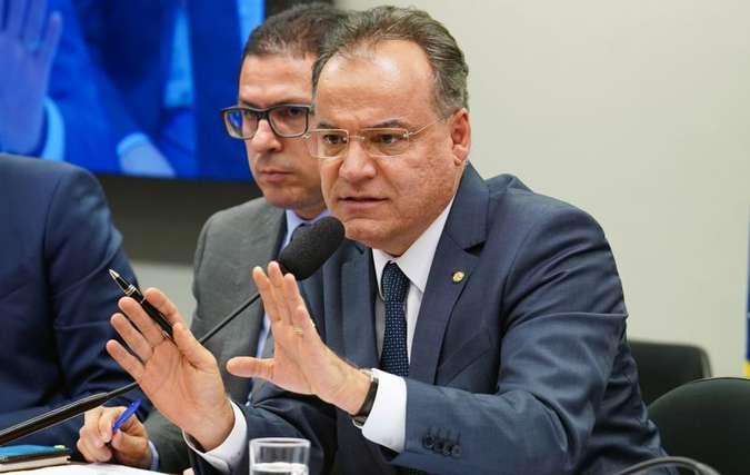 Relator da proposta, Moreira adiou para 5ª feira a divulgação do parecer. Foto: Pablo Valadares/Câmara dos Deputados