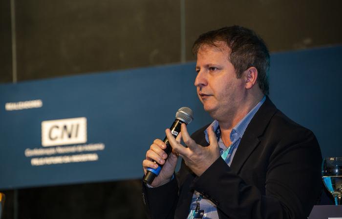 Presidente do Porto Digital, Pierre Lucena, falou no 8º Congresso de Inovação. Foto: Adri Felden