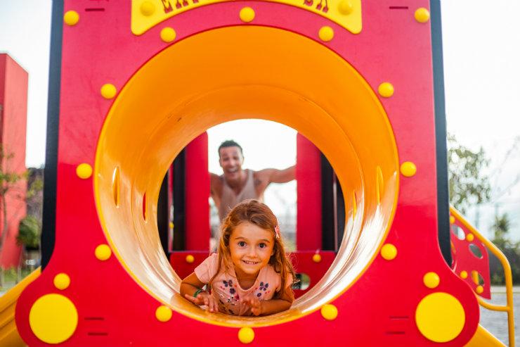 As crianças podem acompanhar equipe de recreadores e se divertir com atividades diversas. Foto: Freak Photos Videos/Divulgação