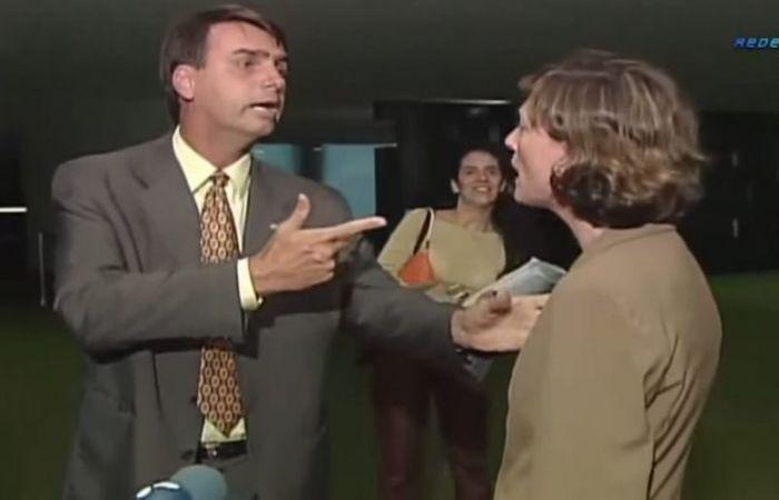 """Na ocasião, Bolsonaro afirmou que a deputada não merecia ser estuprada porque ele a considera """"muito feia"""" e porque ela """"não faz"""" seu """"tipo"""" - Foto: RedeTv!/Reprodução"""