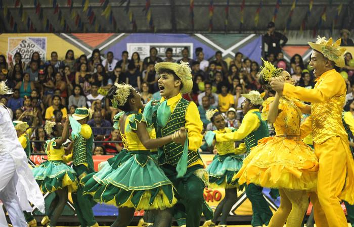 """A Junina Raízes do Rosário, do bairro do Pina, apresentou o espetáculo """"Festa do Milho"""", nesse sábado (16). Foto: Samuel Calado/DP"""