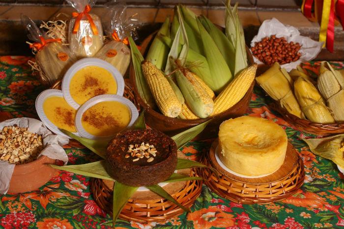 No Empório Tia Dulce, em Olinda, bolos regionais estão no cardápio. Foto: Mandy Oliver/Esp. DP.