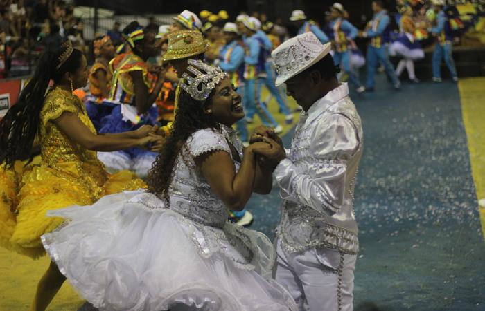 Noivos da junina Brilho de Ouro. Foto: Samuel Calado/DP
