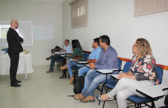 Eles falaram sobre a atualização, melhoria e implementação das  NRs na agricultura regional. Foto: Divulgação.