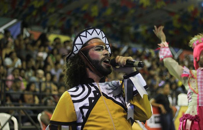 A Junina Xotear trouxe um espetáculo inspirado em um cordel. Foto: Samuel Calado/DP