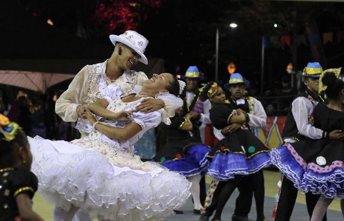 Quadrilha Junina Amigos do Furacão, do bairro de Linha do Tiro, na Zona Norte do Recife. Foto: Samuel Calado/DP