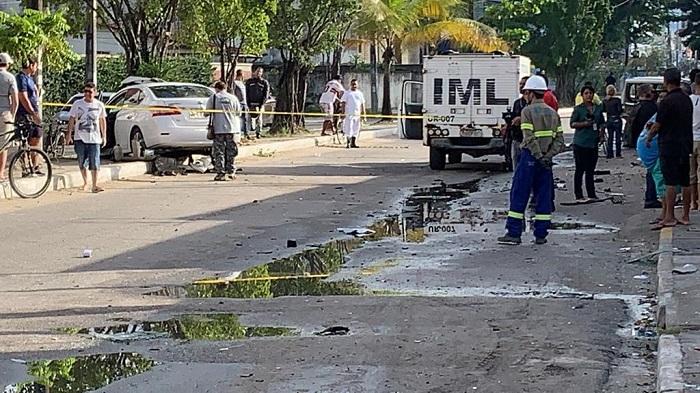 Acidente aconteceu na Avenida Presidente Kennedy, em Candeias. Foto: Arquivo Pessoal/Whatsapp