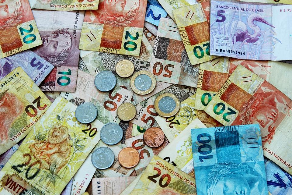 Com real, Brasil consegue debelar a inflação, mas, um quarto de século depois do lançamento do real, não cresce e enfrenta desemprego recorde. Foto: Reprodução/Pixabay