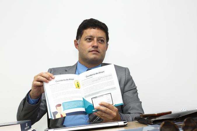O controle externo da administração pública é uma das funções da ouvidoria, destaca Douglas Moreno. Foto: Roberto Soares/Alepe/Divulgação