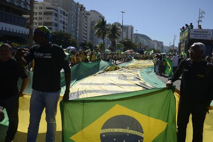 Manifestantes fazem ato, no Rio  de Janeiro, em apoio ao pacote anticrime e a favor da reforma da Previdência  (Tomaz Silva/Agência Brasil)