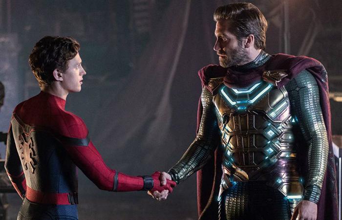 Peter Park conhecendo Mysterio, vilão histórico dos quadrinhos. Foto: Sony Pictures/Divulgação
