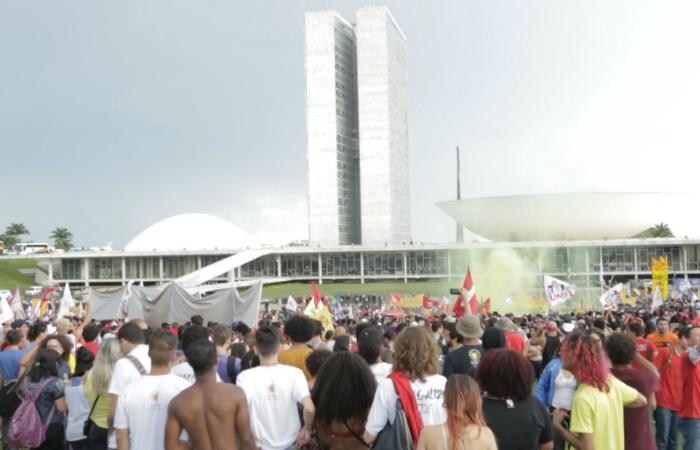 Cena do documentário Onde Começa um Rio, que versa sobre as ocupações universitárias de 2016 contra a PEC do Teto. Foto: Reprodução