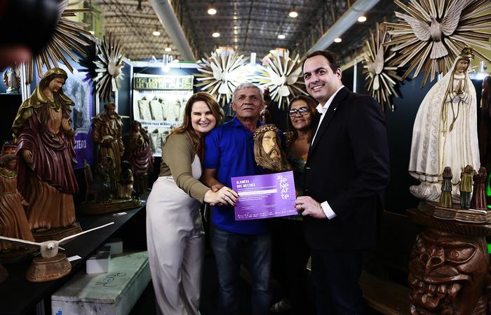 Os diplomas foram entregues pelo governador Paulo Câmara e a primeira-dama Ana Luiza Câmara.  Foto: Heudes Regis/SEI