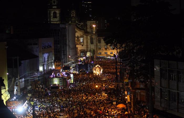 Cortejo saiu por volta das 18h da Basílica do Carmo - Bruna Costa/Esp. DP