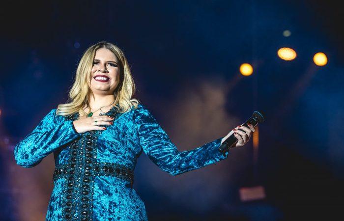 A cantora assumiu o relacionamento com Huff em maio deste ano. Foto: Divulgação.