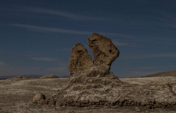 Obra reflete sobre ancestralidade de pedras e mineirais. Foto: Divulgação/ITÁ