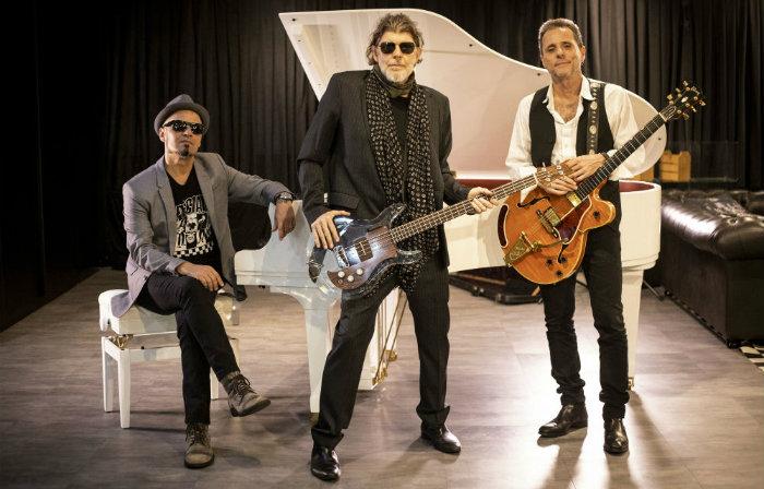 Em versão trio, Branco Mello, Sérgio Britto e Tony Bellotto chegam ao Teatro Guararapes dia 11 de outubro. Foto: Silmara Ciuffa/Divulgação