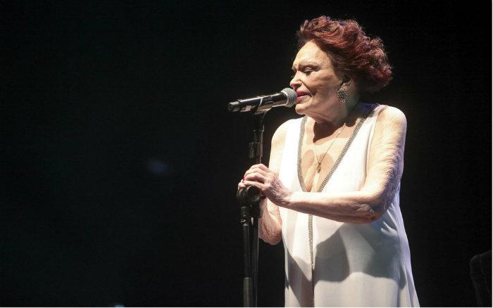 A peça vai passear por canções memoráveis de sua carreira, resgatando também alguns episódios de sua biografia. Foto: Rayan Ribeiro/Divulgação