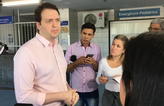 Segundo o cirurgião plástico Jonathan Vidal, do HR, a primeira cirurgia durou quase cinco horas - Foto: Diogo Cavalcante/DP