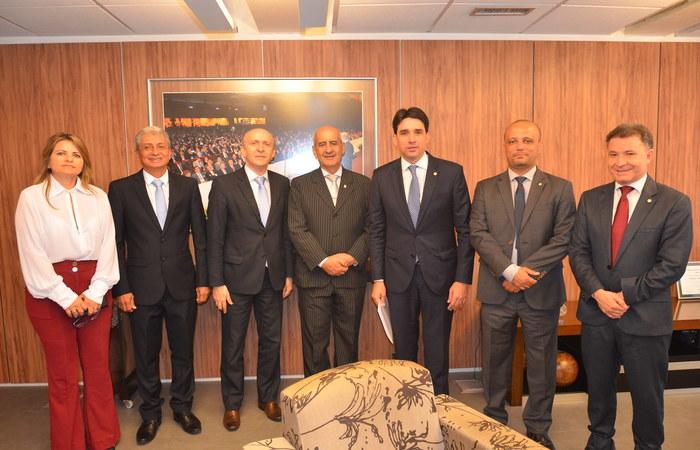 O encontro aconteceu em Brasília na sede da Confederação Nacional dos Municípios. FOTO: Divulgação