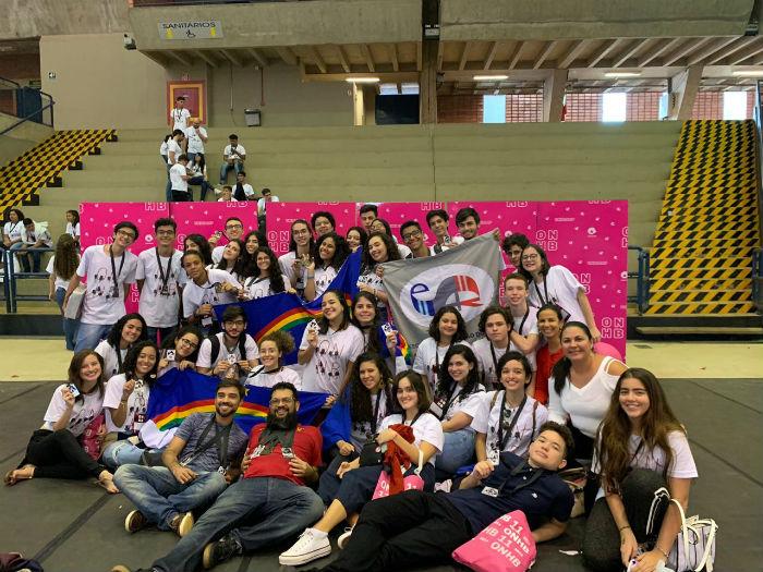 Das 12 equipes da Escola de Aplicação do Recife, seis foram premiadas com medalhas de prata e bronze. Foto: Escola de Aplicação do Recife FCAP/UPE/Divulgação.