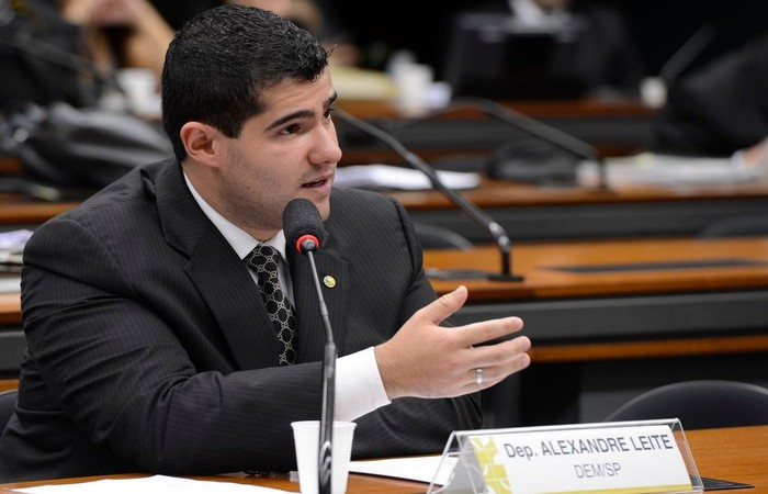 Deputado Alexandre Leite (DEM-SP), relator do projeto de lei que trata da regulamentação da posse e do porte de armas de fogo. Foto: Valter Campanato/Agência Brasil
