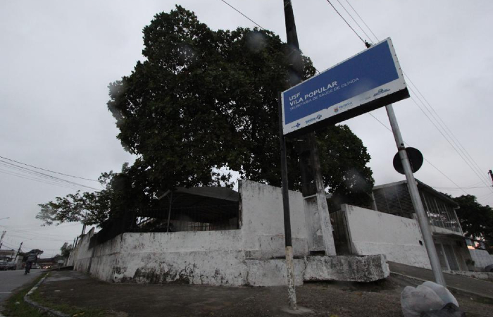Estoque foi reposto na USF da Vila Popular, em Olinda, mas só crianças foram vacinadas na sexta (23) - Foto: Leandro de Santana/Esp. DP