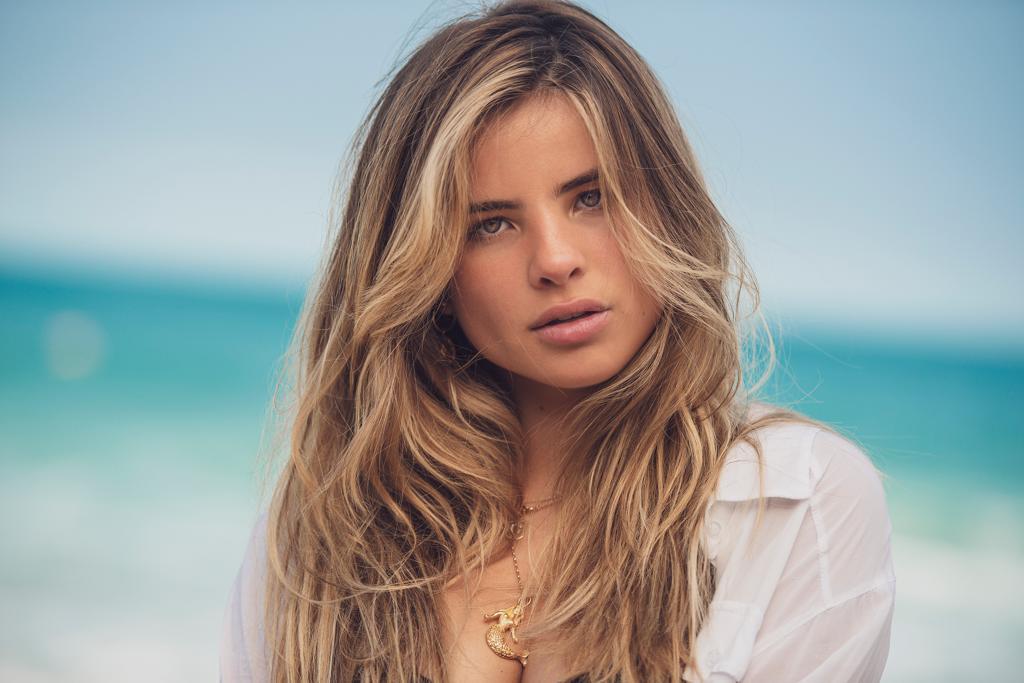 Em agosto, Giulia lançou seu terceiro single, Menina solta - Foto:  Vinicius Mochizuki/Divulgação