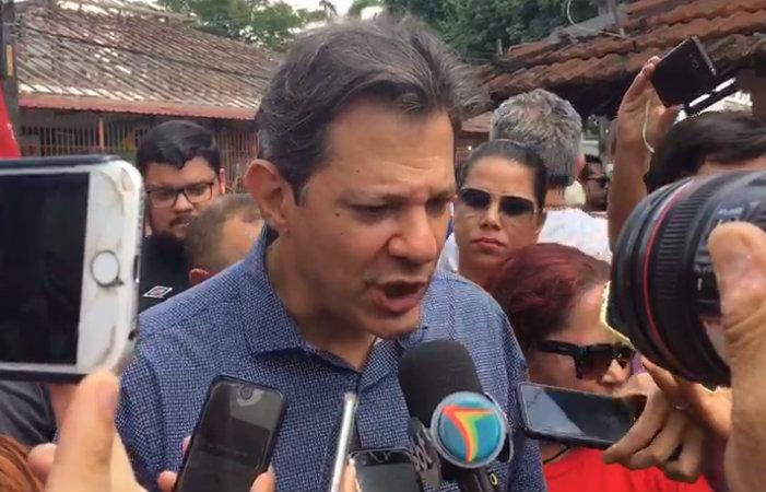 Resultado de imagem para 'Lula deve sair até o final de setembro', diz Haddad em ato no Recife
