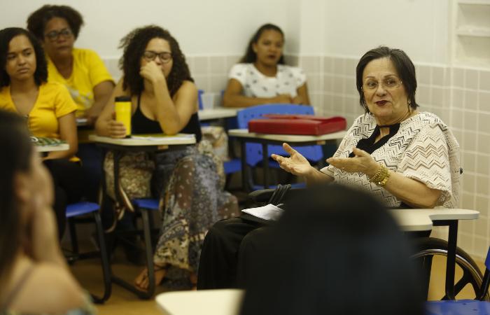 Maria da Penha chegou ao Recife nessa quarta-feira (4), onde participou de capacitação de pesquisadoras na UFPE - Peu Ricardo/DP