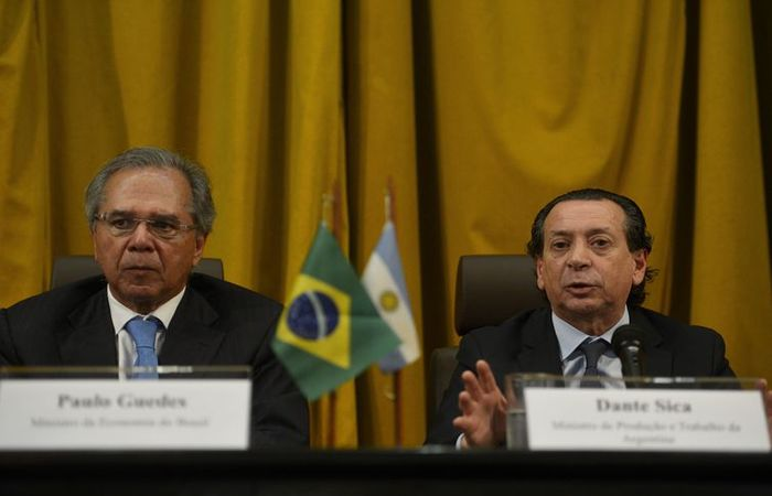 O ministro da Economia do Brasil, Paulo Guedes, e o ministro de Produção e Trabalho da Argentina, Dante Sica. Foto: Tânia Rêgo/Agência Brasil  (Foto: Tânia Rêgo/Agência Brasil)