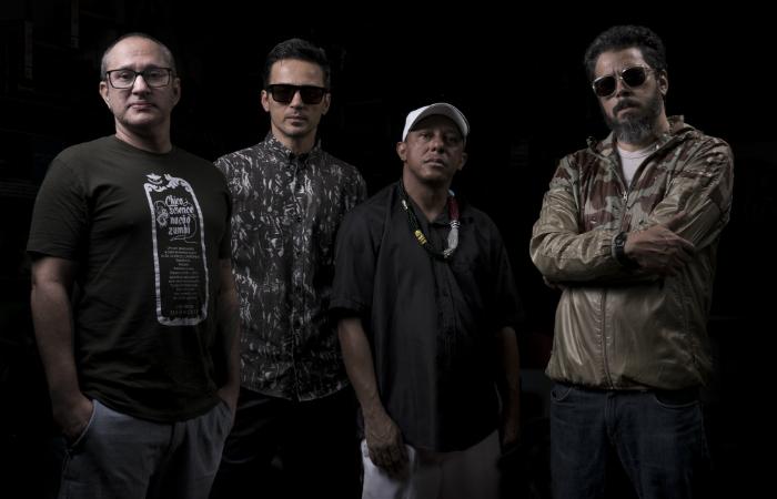 Dengue, Lúcio Maia, Toca Ogan e Jorge du Peixe. Foto: Fábio Braga/Divulgação