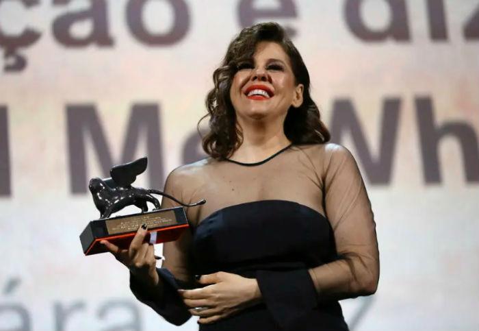 Ela venceu com  Babenco - Alguém tem que ouvir o coração e dizer: Parou. Foto: Joel C Ryan/Invision/AP