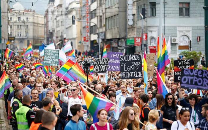 Sarajevo é a última capital nos Balcãs a realizar um evento de orgulho LGBT. Foto: Dado Ruvic/REUTERS