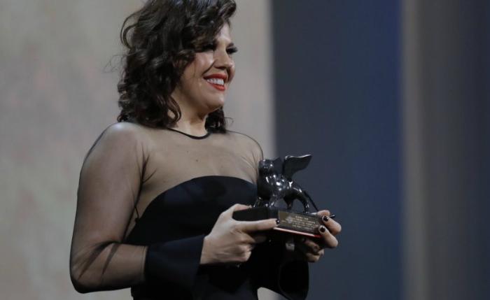 A diretora Bárbara Paz levou o prêmio de melhor documentário sobre cinema com Babenco %u2013 Alguém tem que ouvir o coração e dizer: Paro. Foto: Instagram/Reprodução