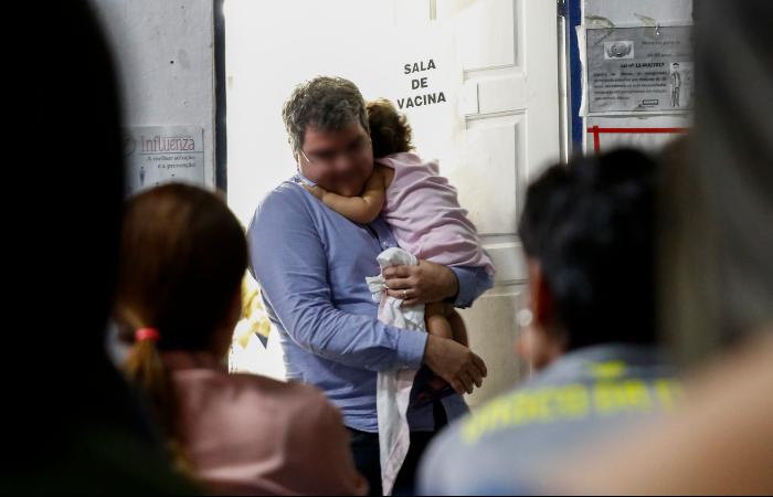 População corre atrás de vacina contra o sarampo nos postos de saúde - Bruna Costa/Esp. DP