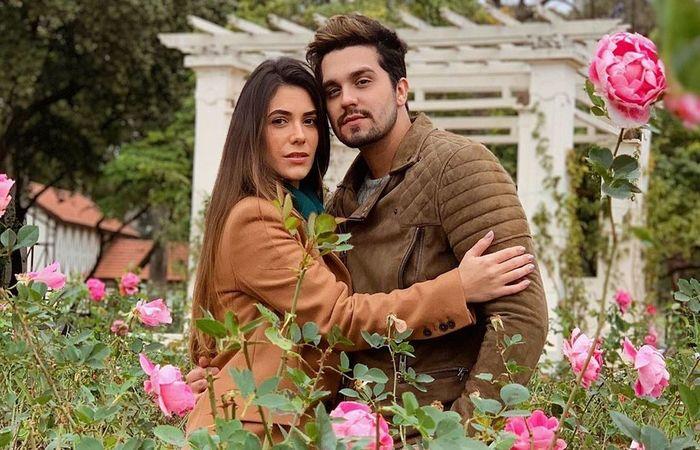 Após 12 anos de namoro, Jade Magalhães e Luan Santana estão noivos - Créditos: Instagram/Reprodução.