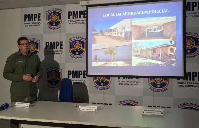 Major Fabrício Vieira, do 23º BPM, detalha a prisão de Zé do Rolo. Foto: Diogo Cavalcante/DP