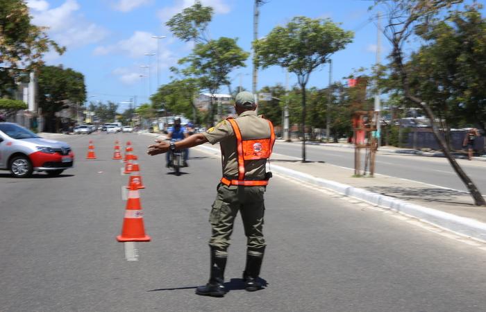 Operação Lei Seca fará blitz educativa neste sábado na Avenida Agamenon Magalhães. Crédito: Anderson Freire/ Arquivo DP