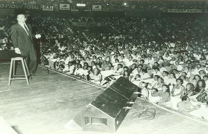 Show do espanhol Julio Iglesias no Geraldão - Foto: Arquivo/DP
