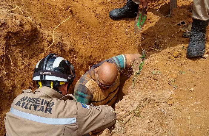 Homem foi socorrido pelo Corpo de Bombeiros. Foto: Divulgação/Corpo de Bombeiros
